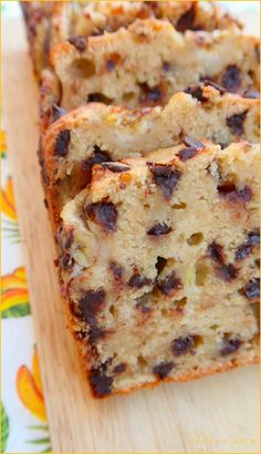 Banana bread or banana cake {vegan}- Banana bread ou cake à la banane {vegan} Banana bread, banana cake or banana cake with chocolate chips delicious, simple and quick - Banana Cake Vegan, Banana Bread Easy Moist, Healthy Banana Bread, Chocolate Chip Banana Bread, Chocolate Chip Recipes, Chocolate Chips, Healthy Zucchini, Vegan Cake, Mint Chocolate