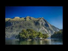 Abraham Hicks - Stop Doubting Everything And Things Will Come Easy For You - YouTube