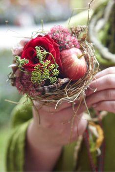 Impressionen vom Herbstzauber - Gartenzauber Impressions from the autumn magic - garden magic Home Decor Dyi, Bouquet, Flower Farm, Autumn Garden, Hallway Decorating, Flower Decorations, Floral Arrangements, Fall Decor, Flowers