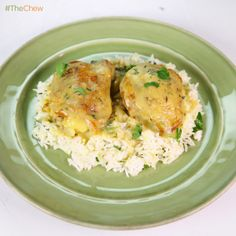 Carla Hall's Smothered Chicken with Buttermilk Gravy! #TheChew #SmotheredChicken #Soulfood