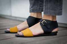 Hey, I found this really awesome Etsy listing at https://www.etsy.com/listing/192644096/10-sale-chloe-black-sandals-black-and