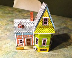 House Papercraft Peach Bum Free Up House Printable Template On Link for Free - Printable Papercrafts Disney Up House, Casa Disney, Disney Pixar Up, Disney Hall, Up Movie House, Disney Christmas Decorations, Film Up, House Template, Up Theme