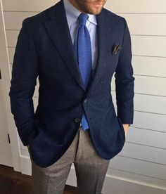 """beckettrobb: """"The most asked question (and the way most guys break a cardinal rule) is knowing how to wear a jacket as a sport coat. The answer is that the cloth needs to have texture and/or. Navy Jacket, Tweed Jacket, Suit Jacket, Terno Slim Fit, Navy Sport Coat, Sport Coats, Types Of Jackets, Jacket Types, Men's Jackets"""