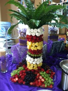 Awesome fruit tree for chocolate fountain my awesome friends made for Katie's grad party. Awesome fruit tree for chocolate fountain my awesome friends made for Katie's grad party. Awesome fruit tree for choco Chocolate Fountain Wedding, Chocolate Fountain Recipes, Chocolate Fountains, Luau Party Desserts, Fruit Tables, Fruit Trays, Bird Of Paradise Wedding, Watermelon Carving, Edible Arrangements