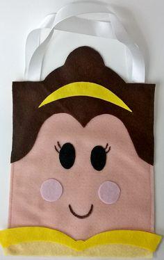Sacolinha Princesa Bela. Confeccionada em feltro, ideal como lembrança de aniversário. http://KfofoDasArtes