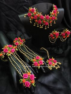 Artificial jewellery for mehendi and haldi Indian Bridal Jewelry Sets, Indian Jewelry Earrings, Jewelry Design Earrings, Bridal Accessories, Necklace Designs, Gold Jewelry, Jewlery, Jewelry Accessories, Flower Jewellery For Mehndi