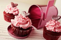 CupcakeLovers: St. Valentine's Day Chocolate Cupcakes 2014