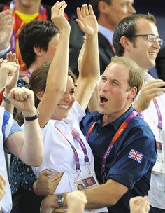 Her Royal Hugness: Kate and Wills' PDA is golden | Mikheil Kharebov's Empower Network Blog