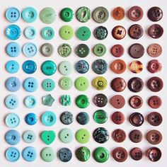 scraps of us : Things organized neatly. Object Photography, Photography Themes, Color Photography, Pattern Photography, Things Organized Neatly, Collections Photography, Collections Of Objects, Recycled Art, Sewing A Button