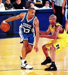Grant Hill vs Jalen Rose in college Acc Basketball, Basketball Pictures, Basketball Legends, Love And Basketball, Sports Pictures, College Basketball, Basketball Players, Basketball Jones, Kentucky Basketball