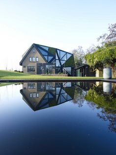 Green & Black Villa in Rotterdam, The Netherlands by Ooze Architects