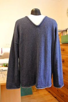 comfy v neck jumper for men (and women) (1)