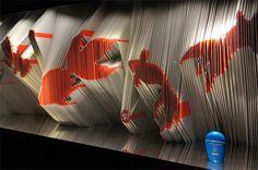 КлимКинетиК - дизайн оформление витрин движением Exhibition Display, Exhibition Space, Japan Design, Stand Design, Booth Design, Window Display Design, Window Displays, Visual Display, Environmental Graphics