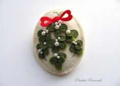 Felt Mistletoe Pin