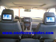 """Monitor da 7"""" installati nei poggiatesta assieme ad un Doppio DIN Kenwood  DNX-7200 e box di navigazione KNA-G520 Cherokee, Monitor, Jeep, Car Seats, Vehicles, Cherokee Language, Car Seat, Car, Jeeps"""
