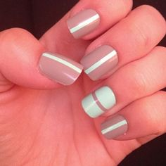 Stylish neutral/taupe nails