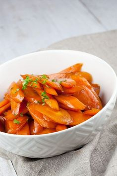 Caramelised carrots are a great way to serve them. Vegetarian Recepies, Vegetable Recipes, I Want Food, Love Food, Quick Healthy Meals, Xmas Food, Weird Food, Happy Foods, Vegetable Dishes