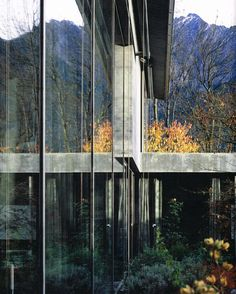 House of the Day: Zumthor House by Peter Zumthor Ancient Greek Architecture, Chinese Architecture, Futuristic Architecture, Architecture Office, Classical Architecture, Detail Architecture, Amazing Architecture, Landscape Architecture, Sustainable Architecture