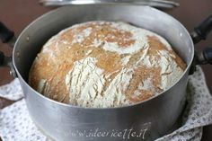 Ricetta pane senza impasto No knead bread Russell Hobbs, No Knead Bread, Biscotti, Cooker, Food And Drink, Pudding, Cheese, Desserts, Recipes