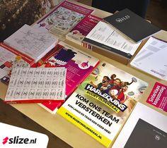 Flyers, plattegronden, menukaarten, posters, kleurplaten, etiketten, briefpapier, leaflets, huisstijl en evenementen drukwerk, stickers... you name it! Mogelijk in alle soorten, maten en oplages. ✨ #Oldenzaal #Enschede #Print #Drukwerk #Denekamp #Vormgeving #Ontwerp Monopoly, Posters, Stickers, Prints, Writing Paper, Poster, Billboard, Decals