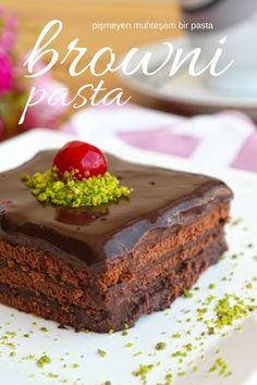 Videolu anlatım Brownie Pasta Tarifi – Pişmeyen nefis bir pasta nasıl yapılır? 12.052 kişinin defterindeki bu tarifin videolu anlatımı ve deneyenlerin fotoğrafları burada. Yazar: Elif Atalar Brownie Recipes, Dessert Recipes, Pasta Cake, Mint Brownies, Afternoon Tea, Chocolate Cake, Sweet Treats, Food And Drink, Cooking Recipes
