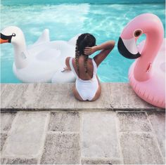 Pool Vibes :: Flamingo Float :: Summer Vibes :: Friends :: Adventure :: Sun :: Poolside Fun :: Blue Water :: Paradise :: Bikinis :: See more Untamed Summertime Summer Dream, Summer Of Love, Summer Fun, Summer With Friends, Summer Vibes, Summer Feeling, Summer Goals, Summer Photos, Tumblr Summer Pictures