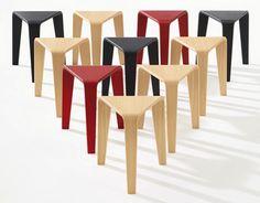 Ply - studio espagnol : Lievore Altherr Molina Arper - Gamme de tables et de tabourets triangulaires #design #tabouret #table #produit