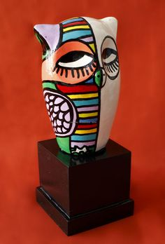 ARTE APLICADO : Claudio Baldrich Artista Plastico Vase, Home Decor, Paint Wood Furniture, Painted Chairs, Painted Wood, Appliques, Artists, Drawings, Decoration Home