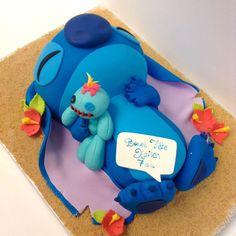 Helene Brunet Lilo And Stitch Cake, Lilo And Stitch Quotes, Lelo And Stitch, Lilo Et Stitch, Disney Desserts, Cute Desserts, Disney Cakes, Cute Birthday Cakes, Disney Birthday