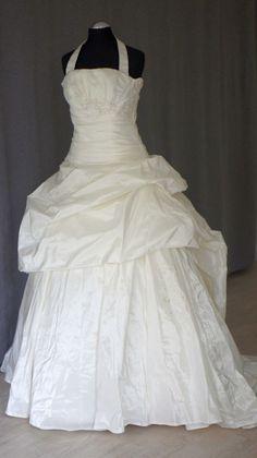 201608 104 1 One Shoulder Wedding Dress, Wedding Dresses, Fashion, Bride Dresses, Moda, Bridal Gowns, Fashion Styles, Weeding Dresses, Wedding Dressses
