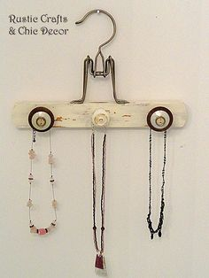 Hottest Screen Creative Wooden Hanger Crafts Tips You know standard outfits ha., Hottest Screen Creative Wooden Hanger Crafts Tips You know standard outfits ha…, Wooden Pant Hangers, Personalized Hangers, Personalised Gifts, Necklace Holder, Jewelry Holder, Pearl Necklace, Diy Necklace, Hanger Crafts, Vintage Jewelry Crafts