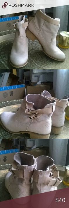 "Cream leather booties Gorgeous, next to new, cream colored booties. Leather upper and lining. Super cute buckle and strap side details, 1"" wood block heel, sewn on soles. Excellent workmanship on these boots make  them a steal! Made in Spain. Stamped 40, but fit like a 9-9.5. Cool Way Shoes Ankle Boots & Booties"