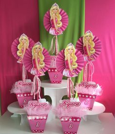 Centros de mesa tema Barbie Barbie Party Decorations, Barbie Theme Party, Birthday Room Decorations, Barbie Birthday Party, Party Themes, Bolo Barbie, Barbie Top, Baby Shower Cupcake Toppers, Party Centerpieces