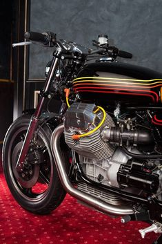 Moto Guzzi 'Champion' by Mr Martini Motorcycle Wheels, Motorcycle Style, Motorcycle Accessories, Motorcycle Gear, Tank Design, Bike Design, Moto Guzzi Motorcycles, Triumph Bobber, Scrambler