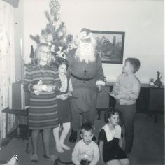 Christmas past was about getting together with family and lots of food. This blog comes with recipes. #ChristmasPudding #NanaimoBars #SmogBars #RumCake Nanaimo Bars, Rum Cake, Christmas Pudding, Christmas Past, The Past, About Me Blog, Dance, Recipes, Food