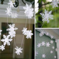 flocons de neige 3D en papier en guirlande de Noël