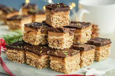 Slik lager du Sarah Bernard i langpanne Krispie Treats, Rice Krispies, Sarah Bernard, Baking, Desserts, Food, Bread Making, Tailgate Desserts, Deserts