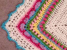 Ravelry: Project Gallery for Sunday Shawl Crochet Shawl Free, Crochet Shawls And Wraps, Crochet Mittens, Knit Or Crochet, Crochet Scarves, Crochet Stitches, Crochet Triangle, Granny Square Crochet Pattern, Crochet Diagram