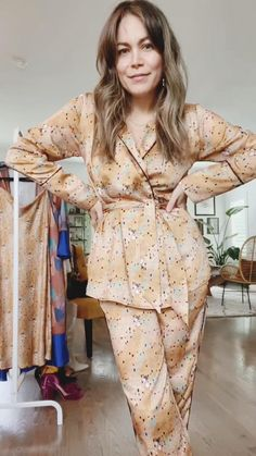 Three ways to wear a silk pijama as an outfit to go out.