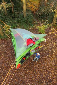 The Stingray is our large triangle 3 person tree tent hammock with a full mesh roof and a removable rain fly. Get the ultimate tree house tent today! & This Tent Takes Camping to a Whole New Level | Treehouse Tents ...