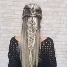 Topsy tails into stacked braid