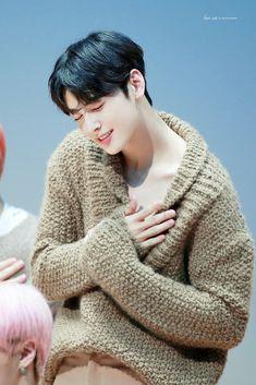 Korean Boys Ulzzang, Cute Korean Boys, Asian Actors, Korean Actors, Kim Myungjun, Park Jin Woo, Cha Eunwoo Astro, Lee Dong Min, Drame