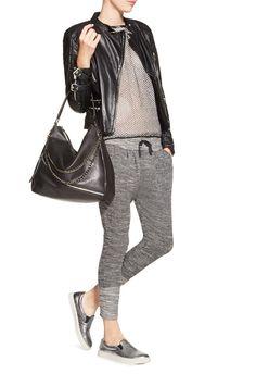 Und hier eine Outfit-Inspiration. Für einen lässigen Look mit Slip-Ons.