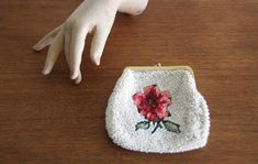 Vintage 50s white beaded floral purse. Pretty cross stitch floral motif. Floral coin purse. Beaded pouch. Gift for her. Stocking stuffer