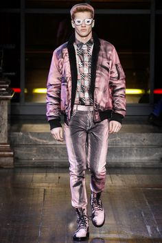 See the complete Moschino Fall 2016 Menswear collection.