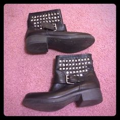 STEVE MADDEN BOOTIES Black silver studded booties from Steve Madden! Worn once, these show absolutely no signs of wear!! Women's size 8. Steve Madden Shoes Ankle Boots & Booties