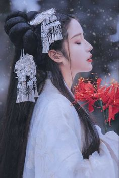 A hub of fabulous Chinese novels, where you can read, translate and create. Hanfu, Arte Fashion, Asian Fashion, Female Protagonist, Art Anime, China Girl, Chinese Clothing, Chinese Culture, Asian Style