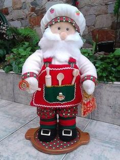 rossy's media content and analytics Felt Christmas, Christmas Projects, Christmas 2019, Christmas Tree Ornaments, Vintage Christmas, Christmas Stockings, Christmas Decorations, Christmas Wall Hangings, Santa Doll
