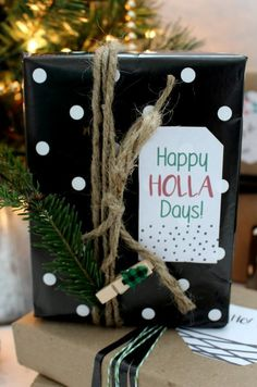 Happy HOLLA Days gift tag printable.