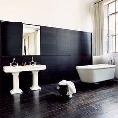 Noir et blanc pour une salle de bains dans la chambre